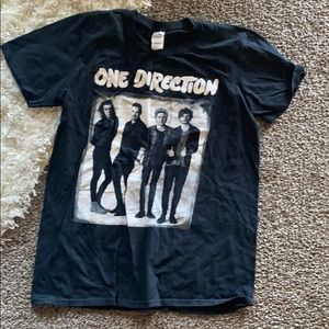 One direction T